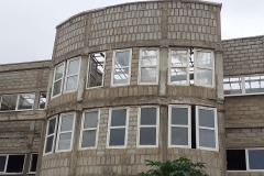 Frontansicht des Krankenhauses Baustelle 08/2019