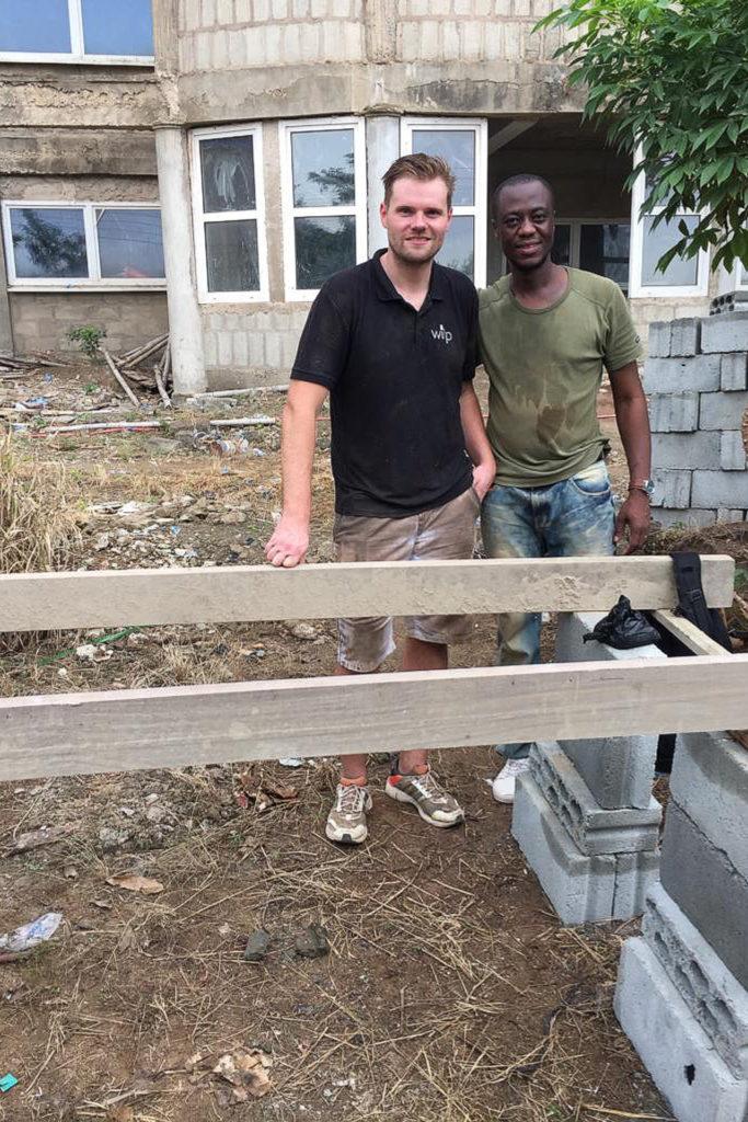 November 2019 Hendrik Wilp und Dr. Samuel Okae auf der Baustelle in Ghana